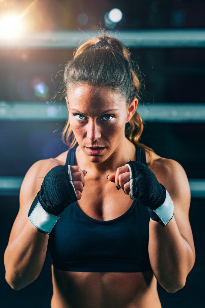 UFC 248 –tapahtuman kohokohtia miesten ja naisten sarjoissa